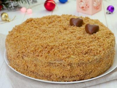 Торт с орехами и кремом